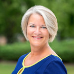 Elizabeth Paluszek - Chesapeake, VA internal medicine doctors